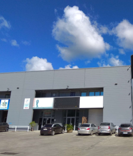 Location local commercial Baie mahault 3760€ HC - Photo 3