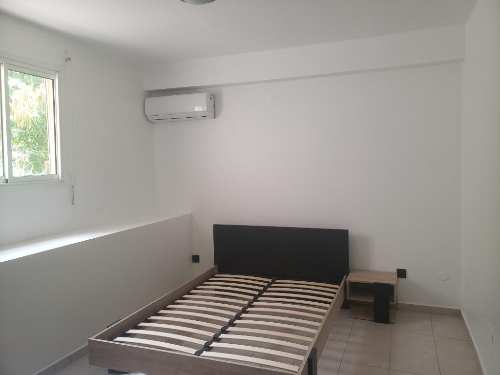 Location appartement Sainte anne 750€ CC - Photo 3