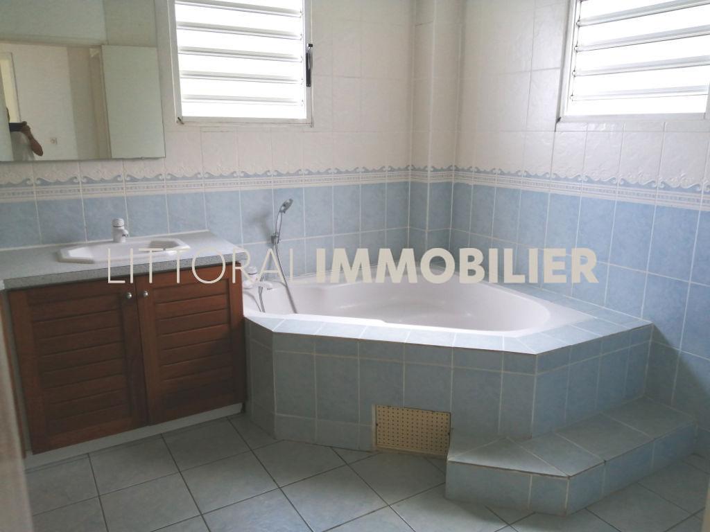 Rental house / villa Saint gilles les bains 2377€ CC - Picture 6