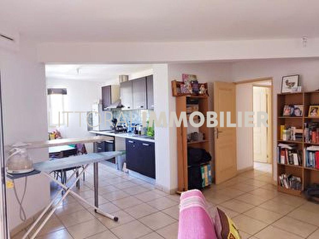 Sale apartment Saint paul 240000€ - Picture 2