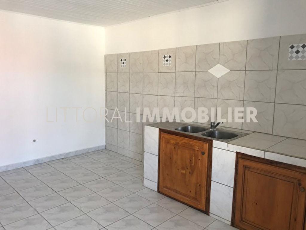 Rental apartment Saint gilles les bains 950€ CC - Picture 6