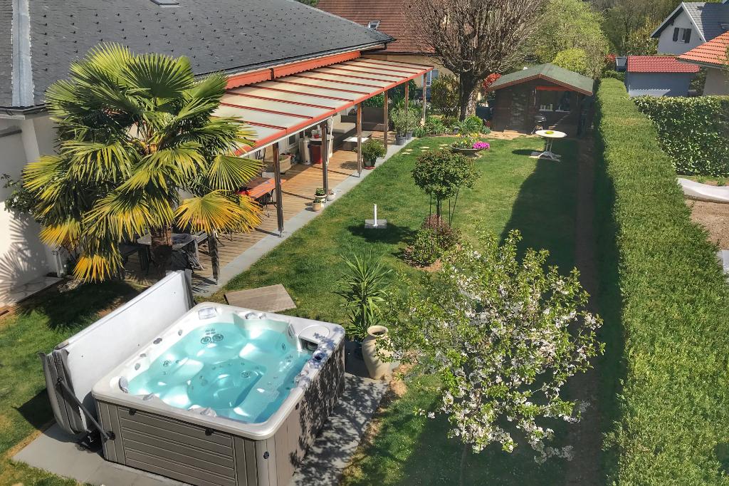 Sale house / villa Seynod 682500€ - Picture 1