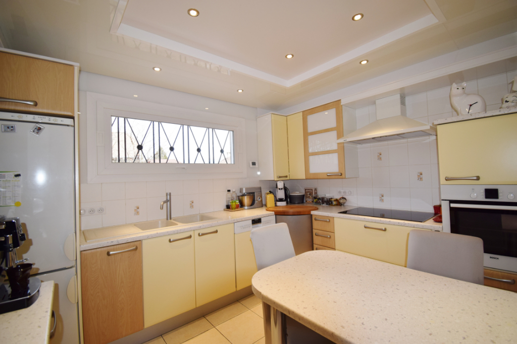 Sale house / villa Seynod 682500€ - Picture 9
