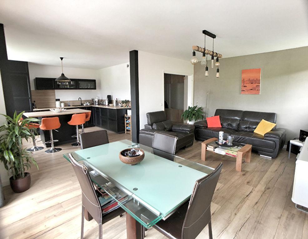 Sale apartment Argonay 397000€ - Picture 2