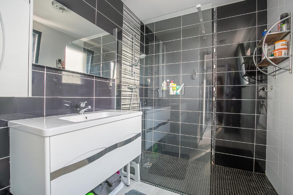 Vente appartement Venelles 315000€ - Photo 8
