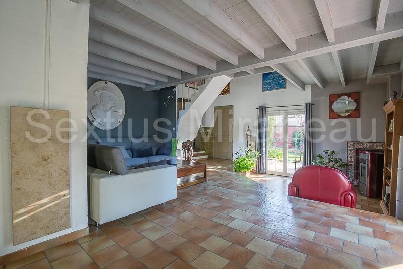 Vente maison / villa Mimet 630000€ - Photo 2
