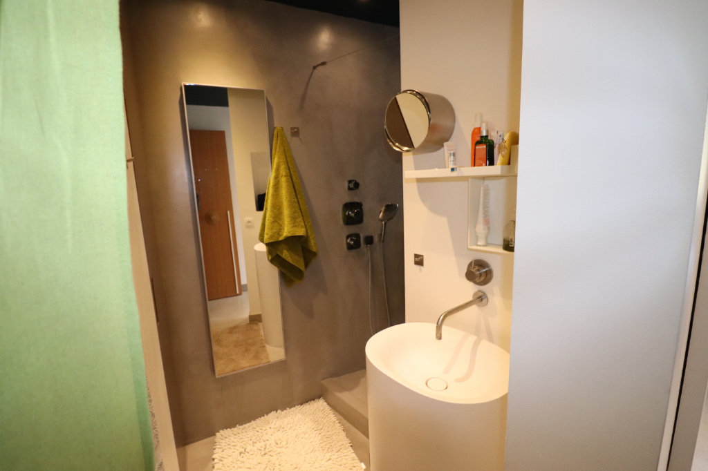 Location Appartement de 2 pièces 70 m² - MARSEILLE 13008 | PRADIMMO - AR photo12