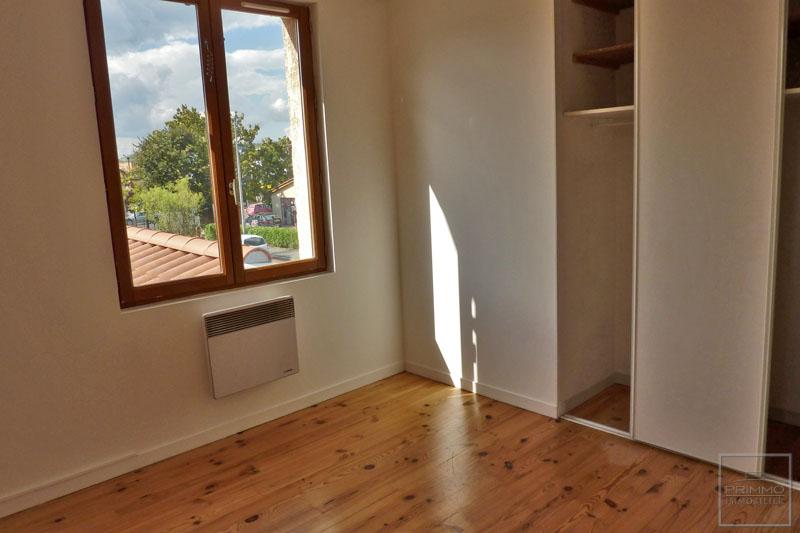 Rental apartment Civrieux d'azergues 700€ CC - Picture 2