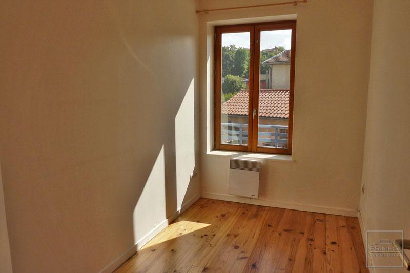 Rental apartment Civrieux d'azergues 700€ CC - Picture 5