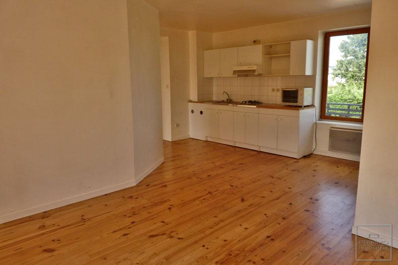 Rental apartment Civrieux d'azergues 700€ CC - Picture 6