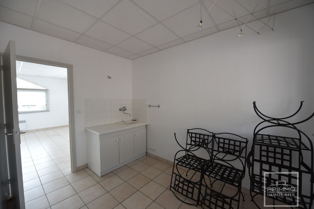 Location local commercial Lissieu 520€ CC - Photo 2