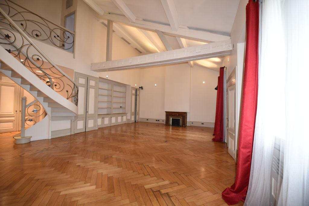 Lyon 6 - Duplex de 242m2