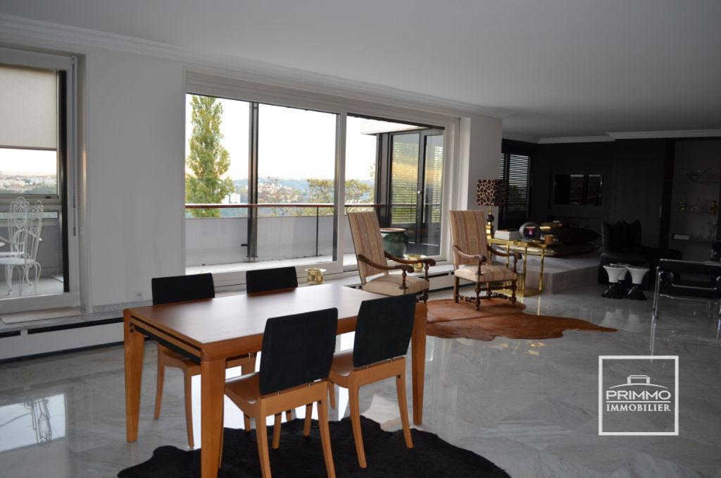 Appartement SAINT DIDIER AU MONT D'OR 7 Pièces 203 m²