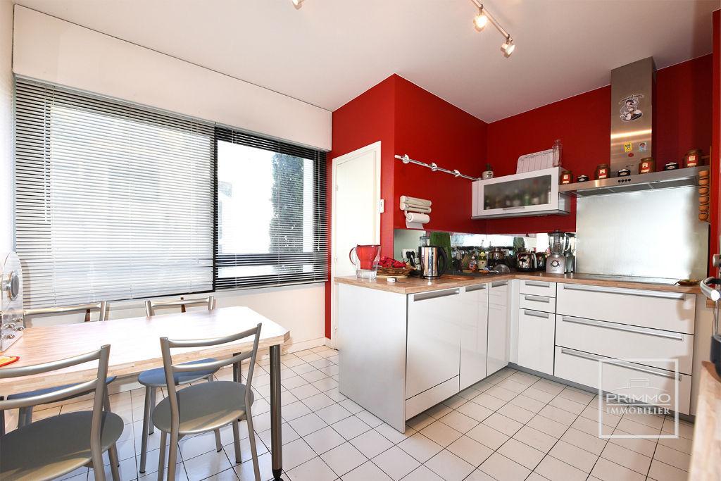Sale apartment Lyon 6ème 875000€ - Picture 2