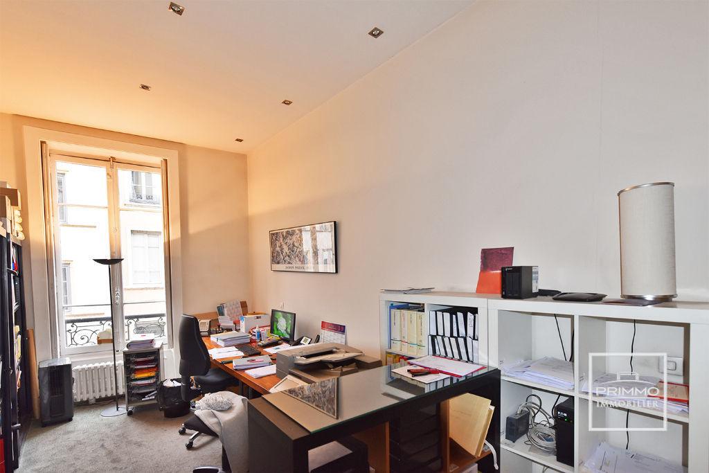 Sale apartment Lyon 1er 495000€ - Picture 3