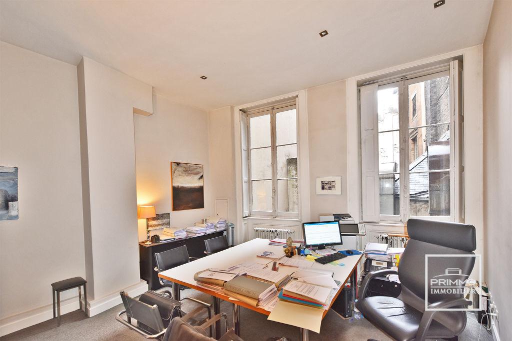 Sale apartment Lyon 1er 495000€ - Picture 4