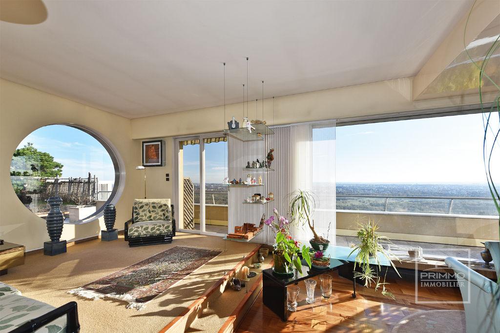 Dernier étage terrasse avec Vue Panoramique au calme