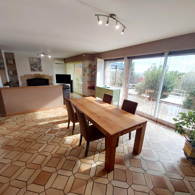Sale house / villa Saint malo de phily 326970€ - Picture 4