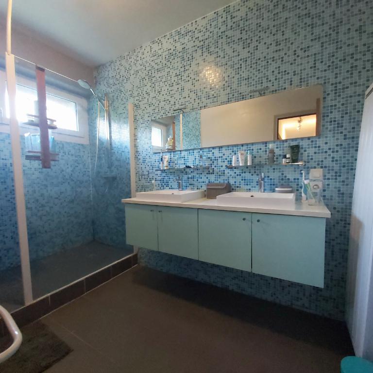 Sale house / villa Saint malo de phily 326970€ - Picture 6