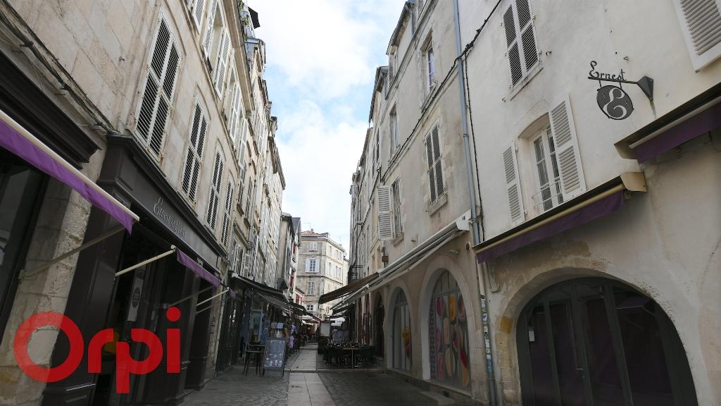 Sale building La rochelle 997500€ - Picture 8