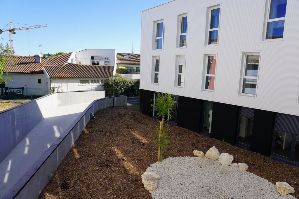 Sale apartment La rochelle 408000€ - Picture 2