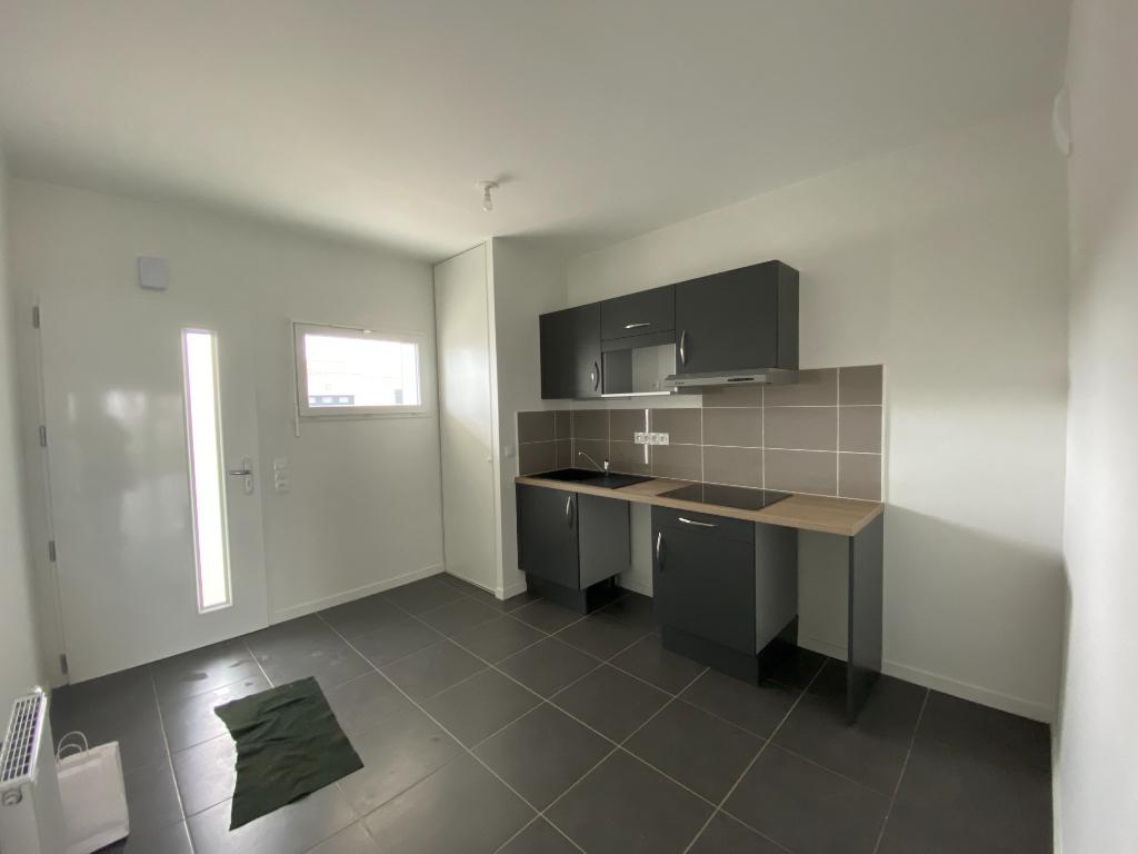 Location appartement Perigny 830€ CC - Photo 2