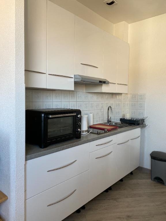 Rental apartment La rochelle 665€ CC - Picture 3