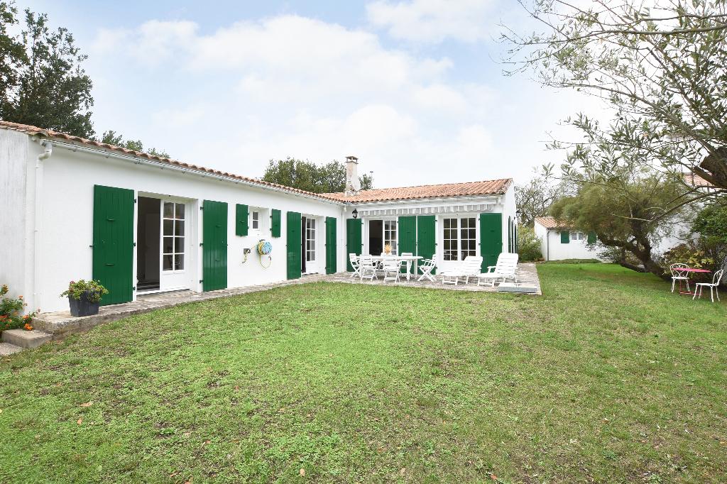 Maison Ars En Re 5 pièce(s) 136 m2 ARS EN RE (17590)