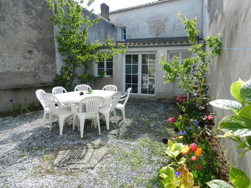 Maison La Couarde Sur Mer 5 pièce(s) 103 m2 LA COUARDE SUR MER (17670)