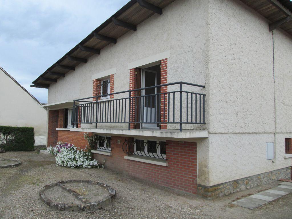 Maison 4 pièces - 2 chambres - SELLES SAINT DENIS