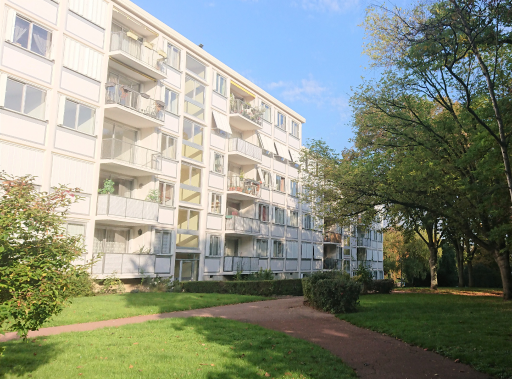 Rental apartment Marly le roi 961€ CC - Picture 1