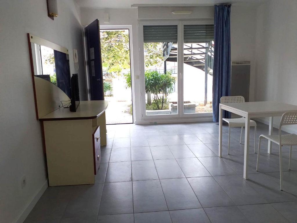 Sale apartment Louveciennes 135200€ - Picture 2