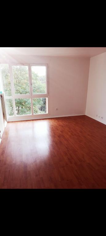 Photo Appartement Eaubonne 1 pièce(s) 32.80 m2 image 2/6