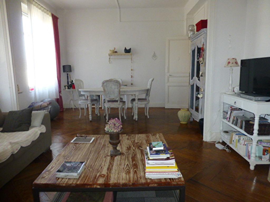 annonces cireuse a parquets suisse. Black Bedroom Furniture Sets. Home Design Ideas