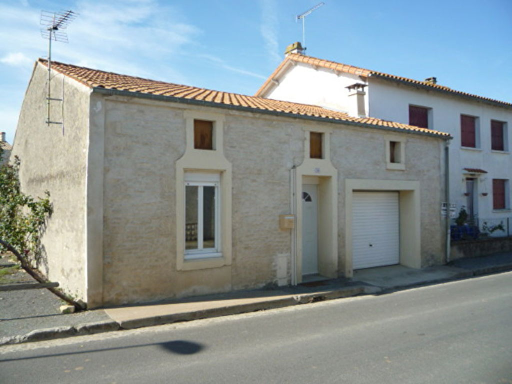 Annonces tres belle maison d architecte vieux st pierre for Maison saint pierre rodez