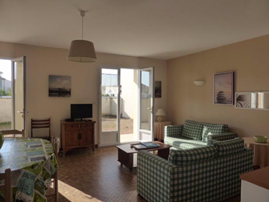 Appartement longeville sur mer 3 pi ce s 64 42 m2 for Code postal longeville