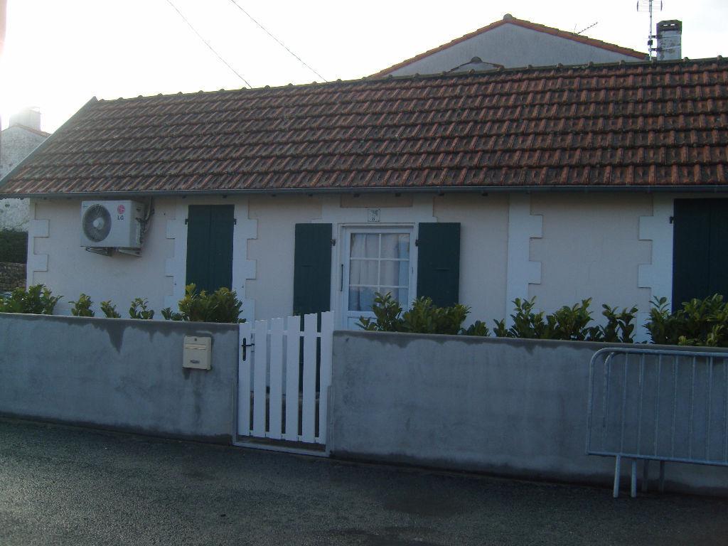 Annonce vente maison port des barques 17730 77 m 111 for Annonce vente de maison
