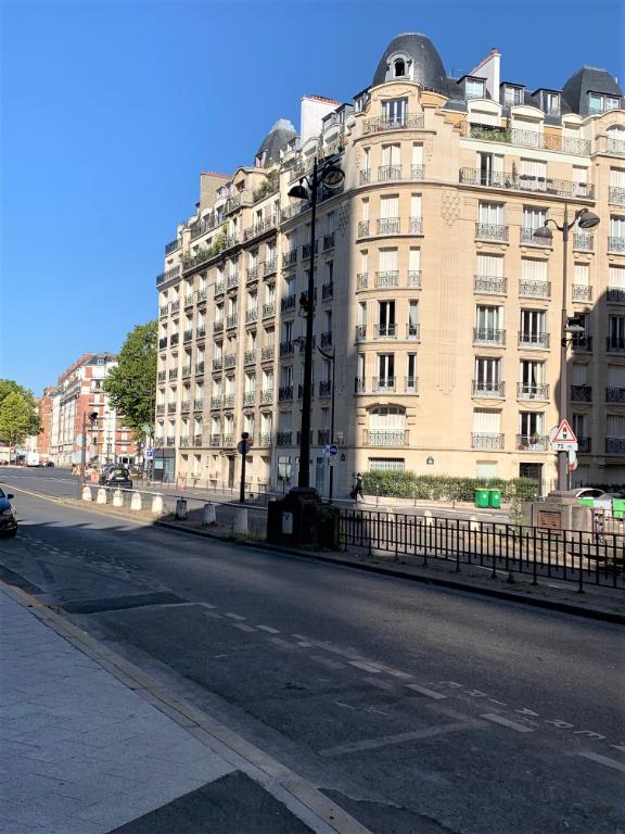 Vente Appartement de 5 pièces 151 m² - PARIS 75017 | LES LOGES IMMOBILIER - AR photo1