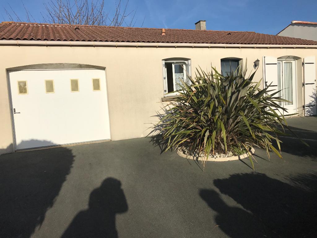 Sale house / villa La roche sur yon 191000€ - Picture 6