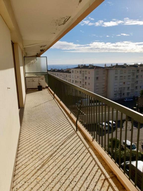 photo de Bastia sud Location Appartement  4 pièces avec terrasse, vue dégagée, parking privatif. Résidence bi