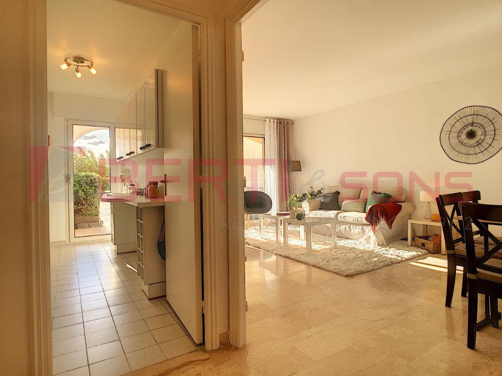 Sale apartment Mandelieu la napoule 449000€ - Picture 5