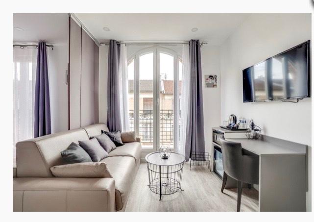 Sale empty room/storage Clichy 6300000€ - Picture 1