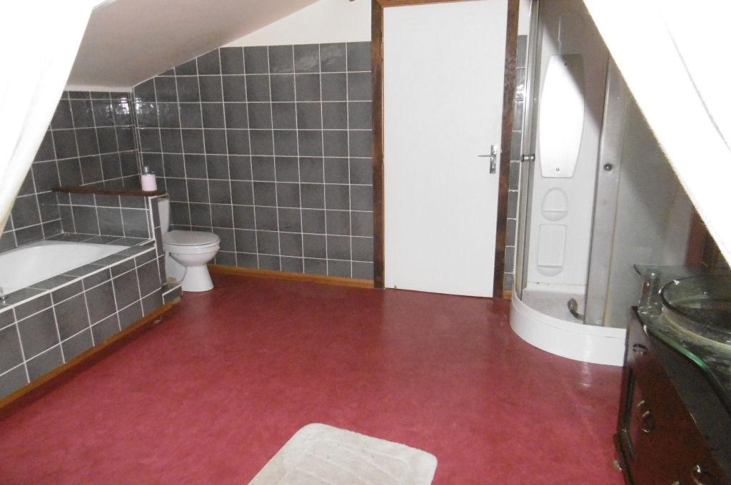 appartement atypique sur sous sol aubusson 23200. Black Bedroom Furniture Sets. Home Design Ideas