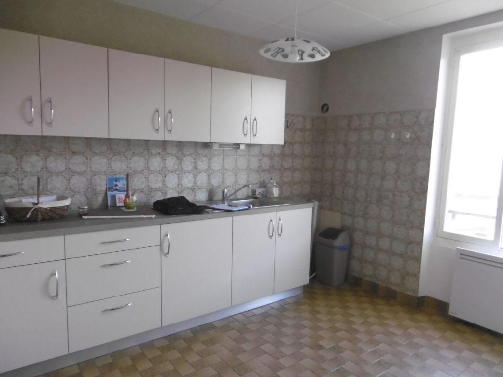 Vente Maison de 4 pièces 80 m² - LAVAVEIX LES MINES 23150 | AGENCE CREUSOISE - IMOGROUP photo4