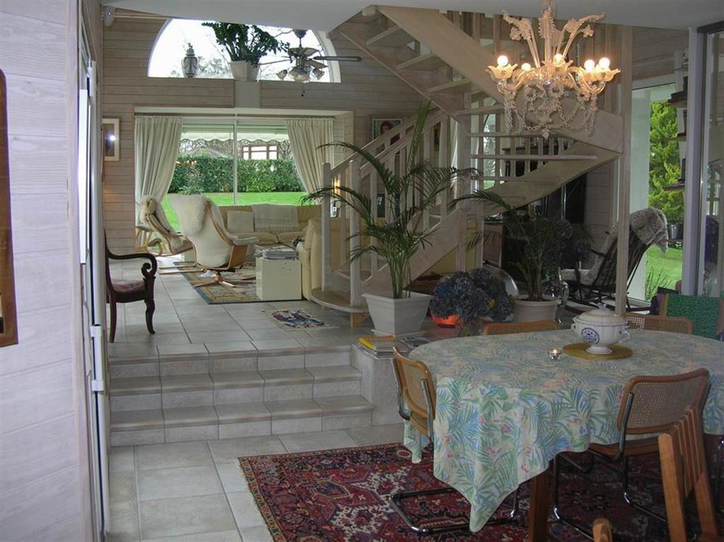 À vendre maison sur le golf de ST DENAC, au calme