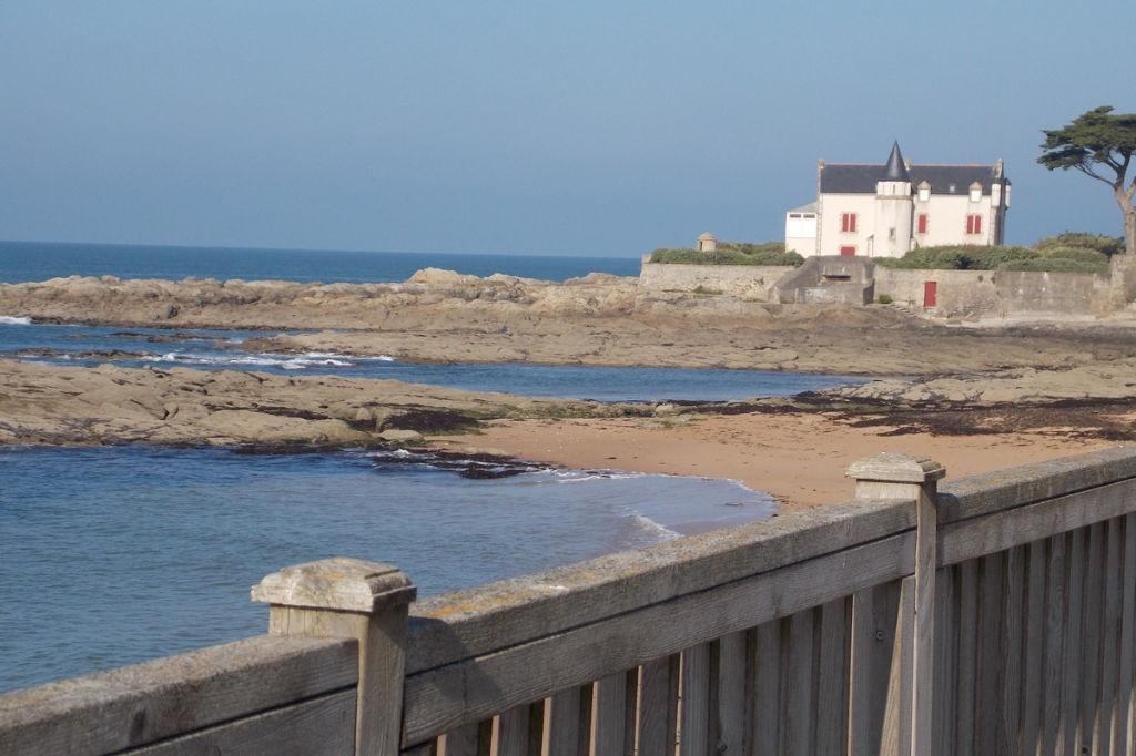 <br /> À vendre 2 pièces avec vue sur mer à Batz sur Mer avec accès direct à la plage Valentin<br />