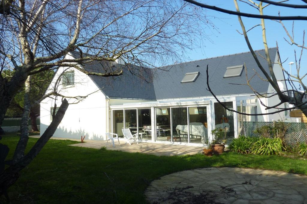 à vendre, maison contemporaine à 100m de la côté sauvage, à la limite du Pouliguen & de Batz sur mer, calme & résidentiel