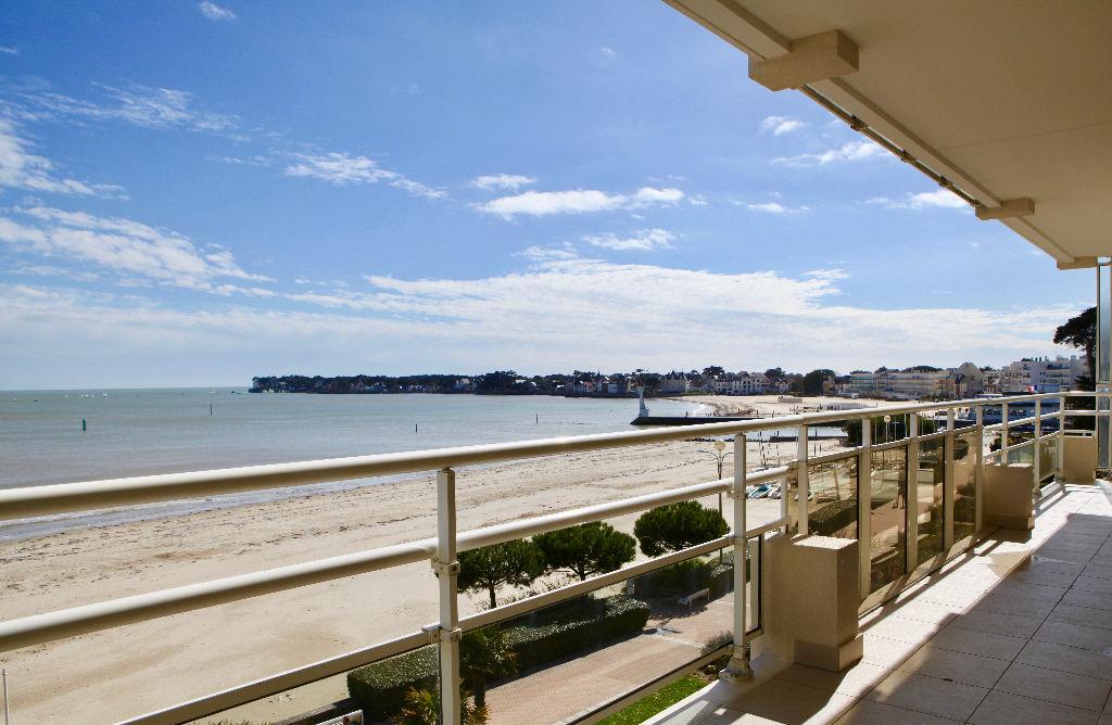 <br /> À vendre Appartement 3 chambres Face mer accès direct plage Benoît<br />