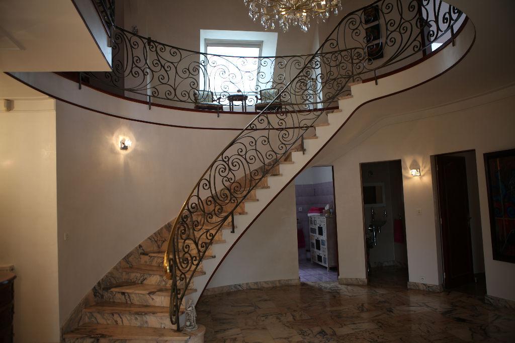 A vendre sur LA BAULE ESCOUBLAC maison de 350 m² avec piscine