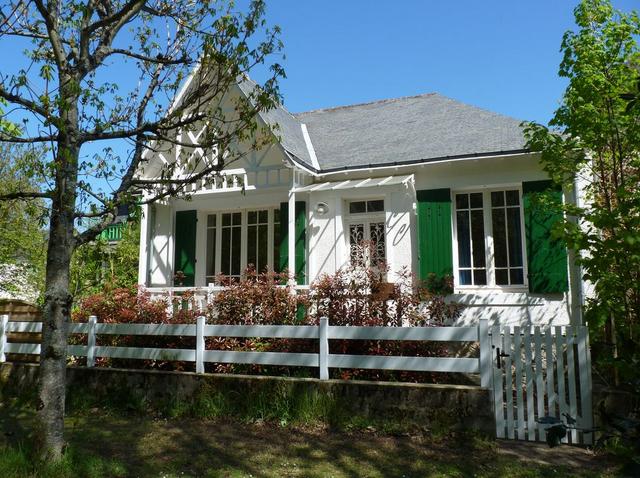 À vendre maison sur Le Pouliguen centre, directement sur Le Bois, calme, à 50m de la plage du Nau et du port